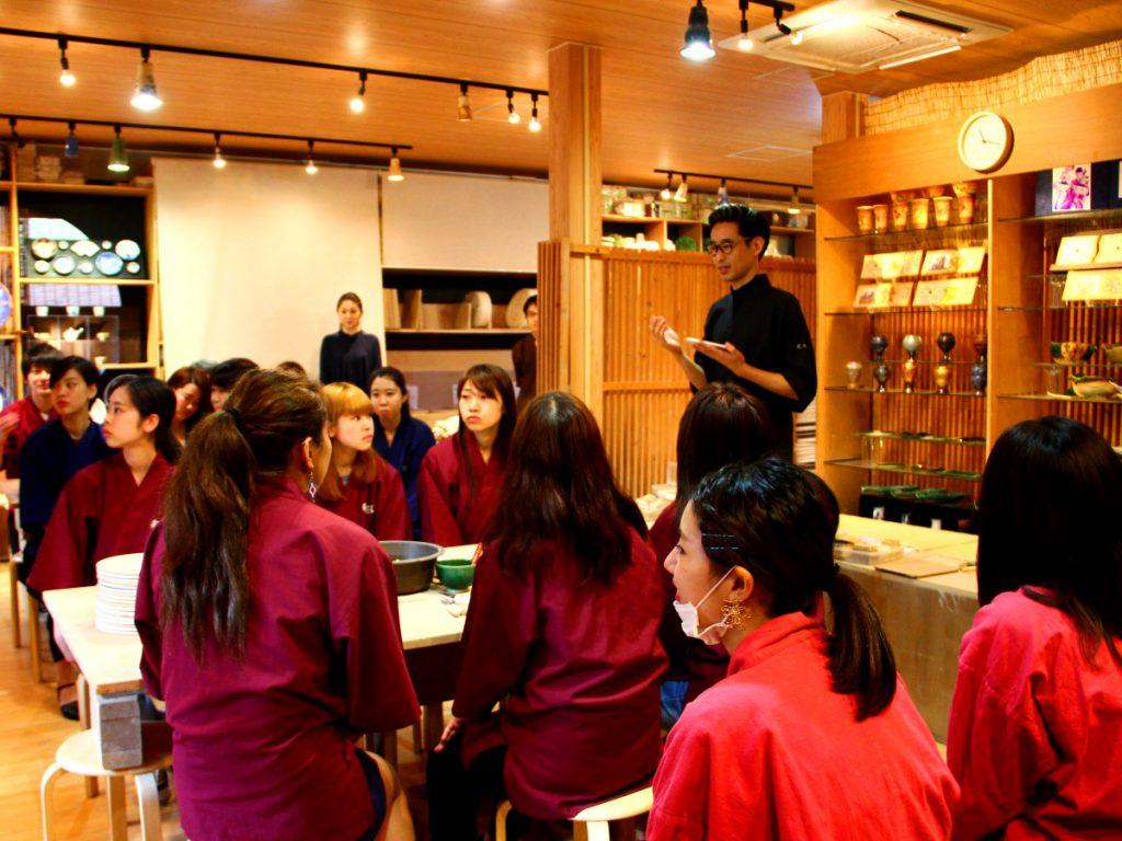 陶芸家中野拓が社会貢献事業でウエディングプランナーの卵たちへ陶芸ワークショップを開催