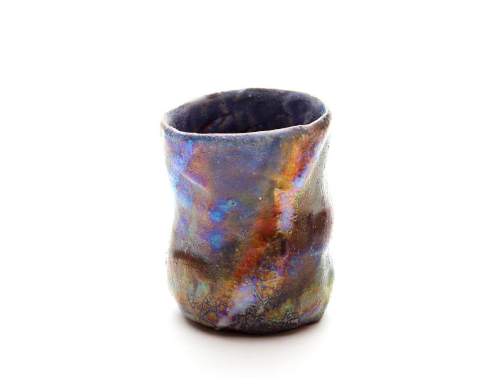 陶芸家中野拓がオメガ星雲をモチーフに創作した器 彩泥ラスター colored slip ware luster pottery ceramic art Sagittarius Omega Nebula-inspired created by a ceramist Taku Nakano
