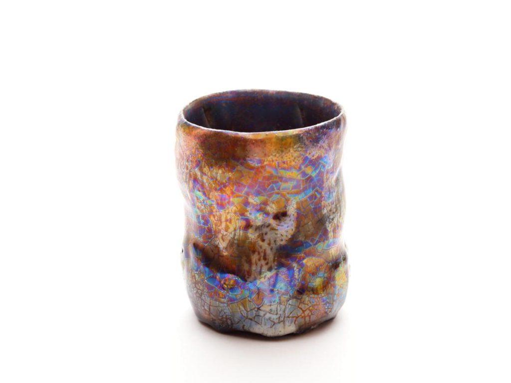 陶芸家中野拓がかじき座タランチュラ星雲をモチーフに創作した器 彩泥シャンパンゴールドラスター colored slip ware luster pottery ceramic art Tarantula Nebula-inspired created by a ceramist Taku Nakano