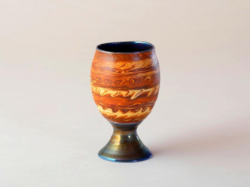 陶芸家中野拓が木星をモチーフに創作した器 彩泥ラスター colored slip ware luster pottery ceramic art Jupiter-inspired created by a ceramist Taku Nakano