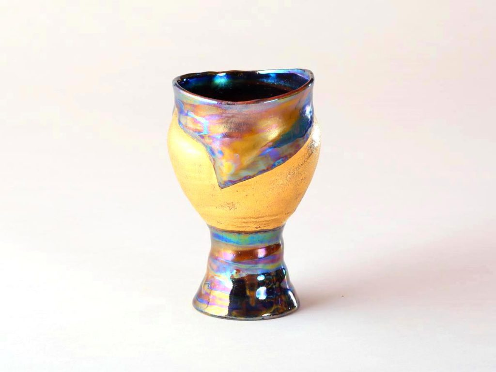 陶芸家中野拓が太陽をモチーフに創作した器 彩泥ゴールドラスター colored slip ware luster pottery ceramic art Solar Sun Coronal hole-inspired created by a ceramist Taku Nakano