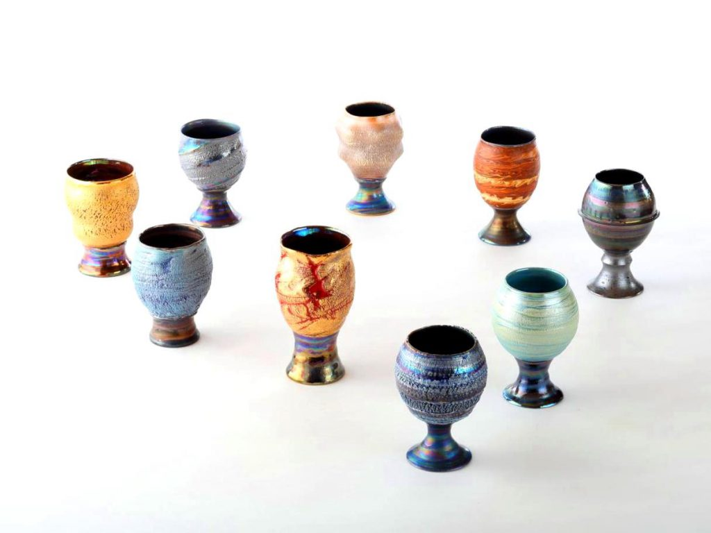 陶芸家中野拓が太陽系をモチーフに創作した器 彩泥ラスター colored slip ware luster pottery ceramic art Solar system-inspired created by a ceramist Taku Nakano
