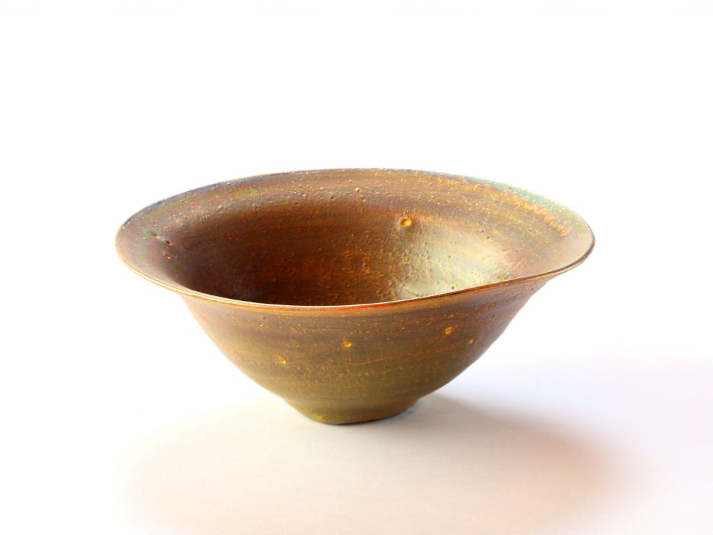 陶芸家中野拓が月をモチーフに創作した器 彩泥ブロンズ colored slip ware pottery ceramic art Moon-inspired created by a ceramist Taku Nakano