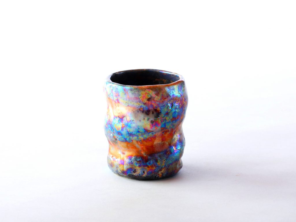 陶芸家中野拓が宇宙雲をモチーフに創作した器 彩泥ラスター colored slip ware pottery ceramic art Intersteller gas -inspired created by a ceramist Taku Nakano