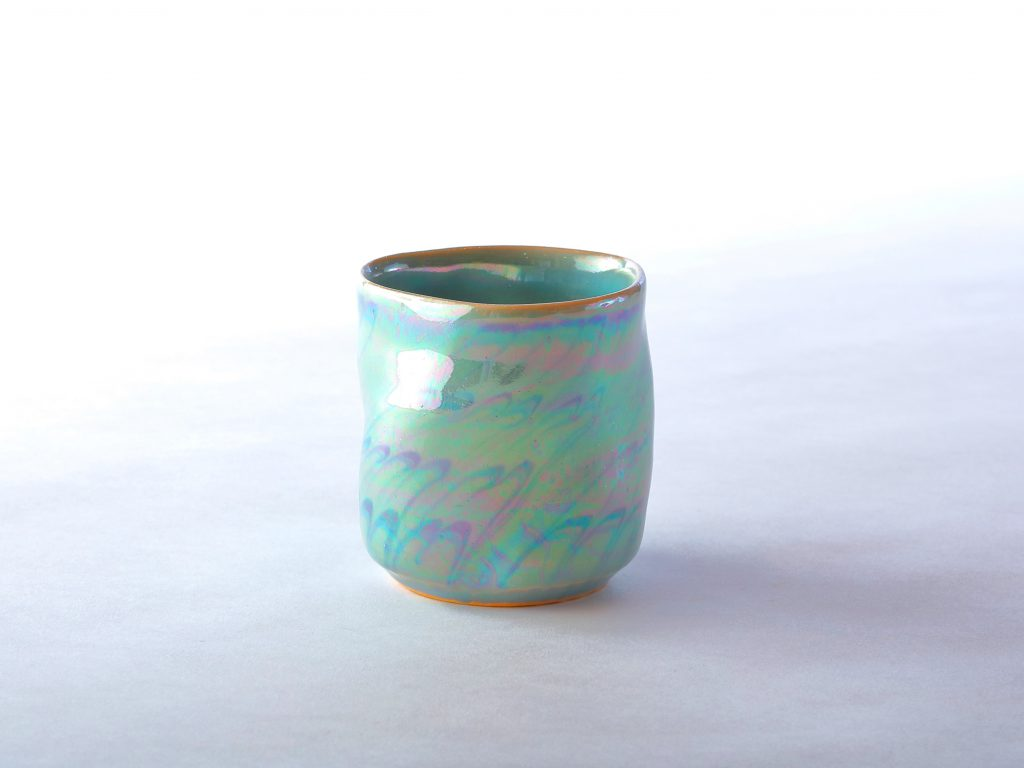 陶芸家中野拓が創作した器 彩泥ラスター colored slip ware pottery ceramic art created by a ceramist Taku Nakano