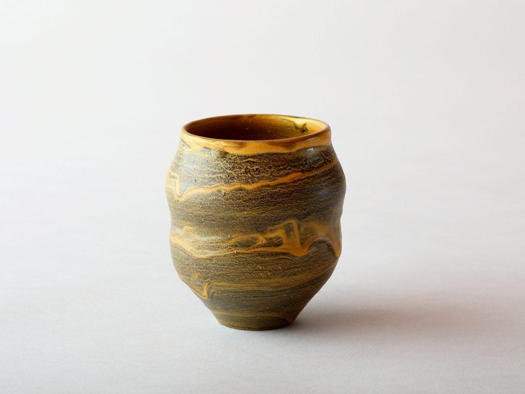 陶芸家中野拓が月をモチーフに創作した器 彩泥マットゴールド colored slip ware matt pottery ceramic art Moon-inspired created by a ceramist Taku Nakano